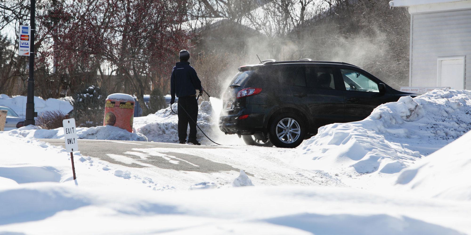 Autot saad käsitsi ka talvel pesta